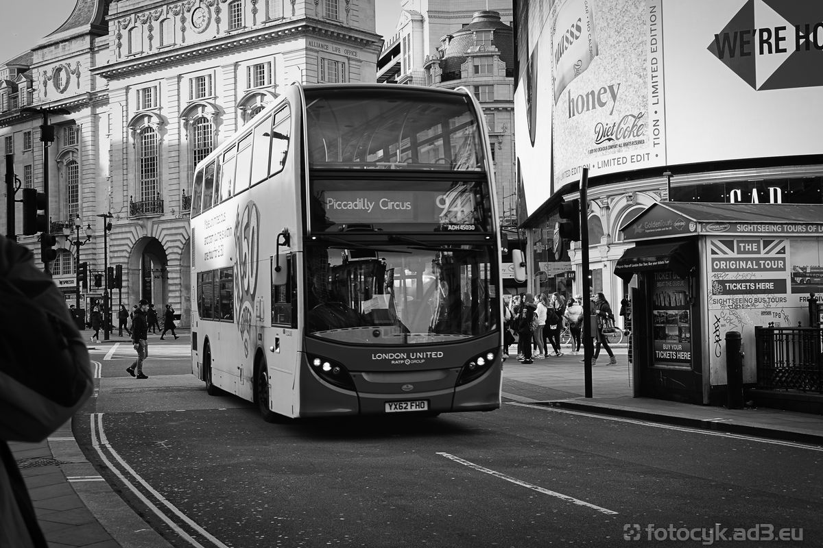 Autobus na Piccadilly Circus